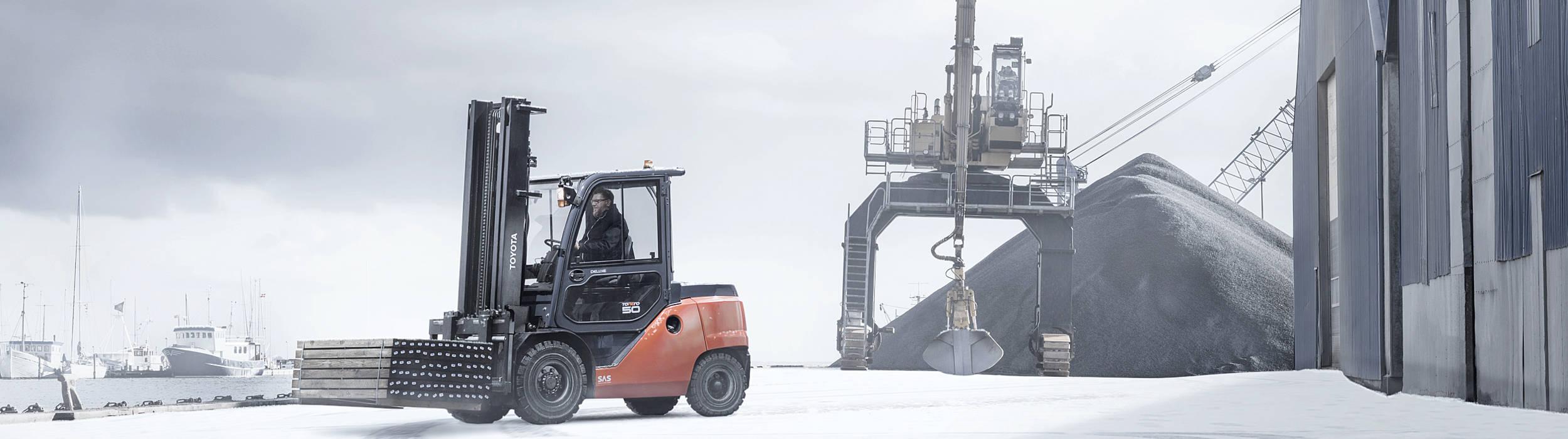 Beverage Toyota Tonero in winter