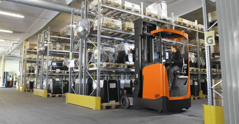 BT Reflex O-series in warehouse