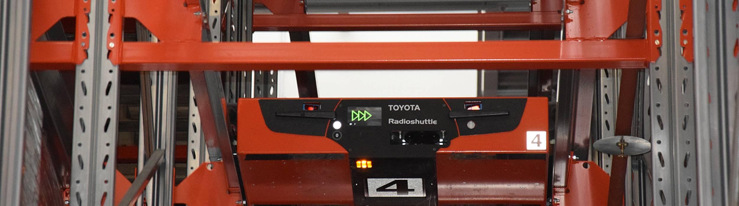 Wie die Radioshuttles von Toyota das Platzproblem bei der heimischen Fachmarktkette Zgonc lösten