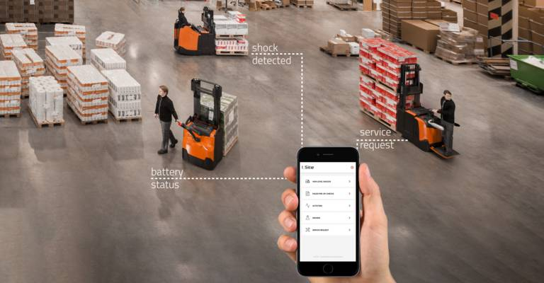 Manager using I_Site in warehouse