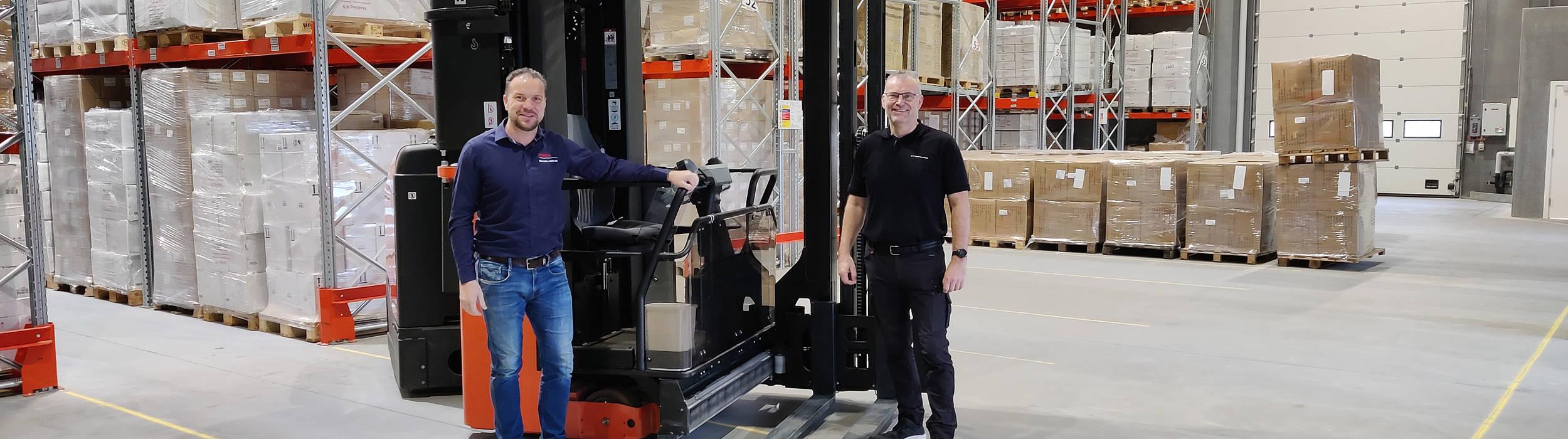 Toyotas smalgangstrucks effektiviserer det nye lager hos Stadsing