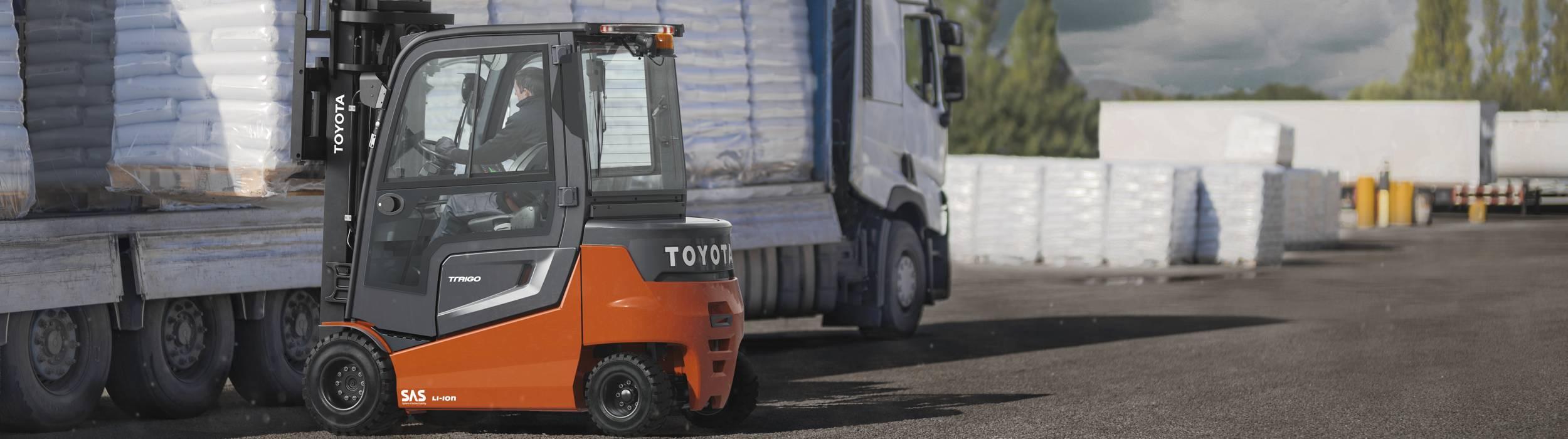 Alle Traigo80 elektrische vorkheftrucks zijn standaard uitgerust met het unieke System of Active Stability (SAS) van Toyota dat een ongeëvenaarde truckstabiliteit garandeert door de bestuurder en lading te beschermen tijdens het rijden, draaien en heffen. SAS biedt geavanceerde technologie om de veiligheid en productiviteit te verhogen.