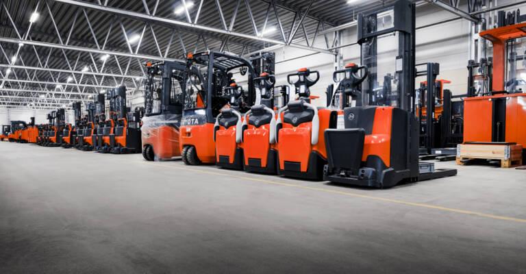 Short term rental fleet of trucks