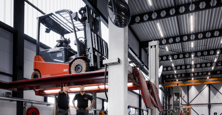 Forklift service repair by Toyota